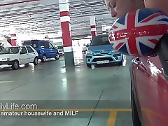 blowjob in the shoppingcenter with real amateur couple