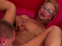 Mature mom gets warm surprise into vagina from her boy