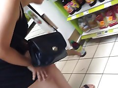Upskirt 21 - part 2 (very fast with face)