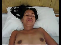 Amateur Pinay Wife masturbating