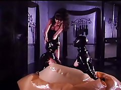 Mistress bags her two latex lovelies