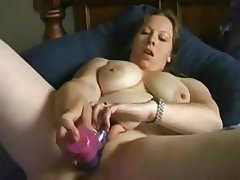 Chubby BBW Teen GF can't stop masturbating on cam