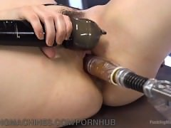Yhivi Cums And Cums On The Machines