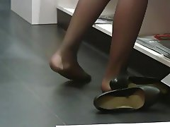 Candid Women Nylons Pantyhose Feet Shoeplay Dipping