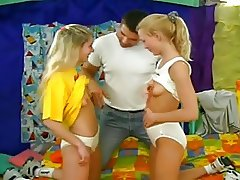 SB3 Daddy Likes To Keep His Girls Happy !