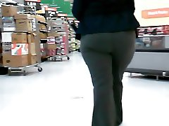 Meaty Ass Ebony Walmart Manager!