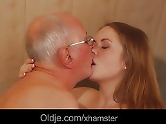 Teen masseuse fucking old customer deepthroat cum swallow