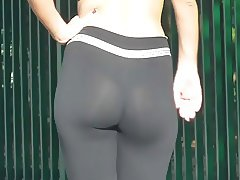 Amazing ass in leggings yoga pants