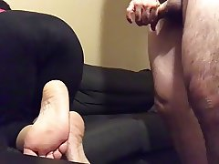 cuming on wife's soles