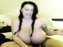 She shows her tits on webcam