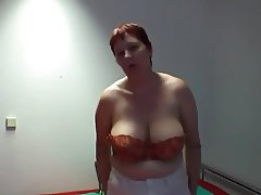 belle mature solo saggy tits