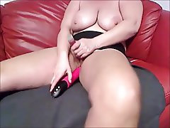 Mommy with big saggy tits fucks herself with Loud Orgasm