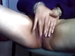 Horny Mature Rubbing Her Clit