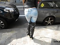 Public Flashing at Clips4sale.com