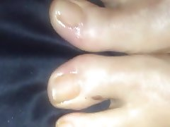 Cum on wet oiled Feets