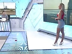 body and ass on tv (2)