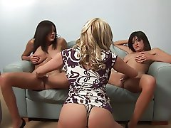 Girls get-together turns to an erotic lesbian session in a close up shoot
