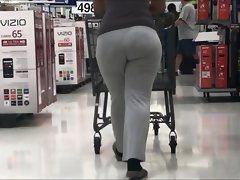 Super Jiggly Butt Latina in Light Grey Leggings