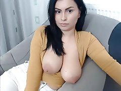 Big Tits Teacher Shows Tits On Cam