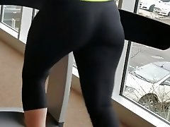 Candid Arabic Gym Booty in Slow Motion