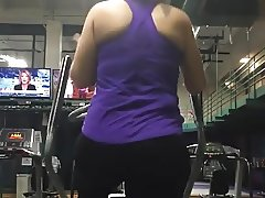 thick mature pawg at the gym
