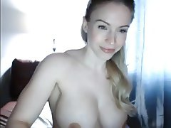 extremely hot muscle woman masturbade her hot pussy