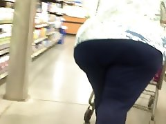 Earthquake Ass Granny Bends Over For Me