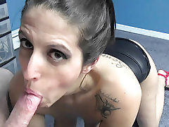 Mature hottie Lavender Rayne does some POV cock sucking
