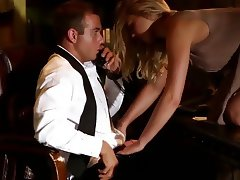 Blonde Lacey Johnson Gives an Incredible Blowjob