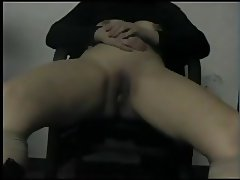 Hot Body Mom gets fingered and Fucked