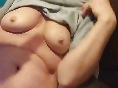 wife showing tits