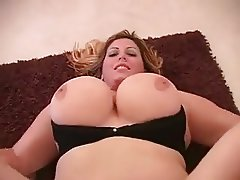 BBW Tyler wants to have her ass fucked by BBC