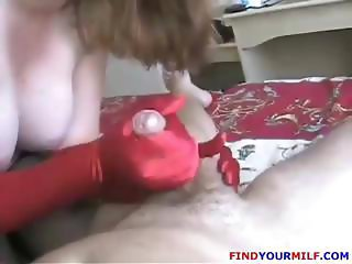 Undue becky with a pulchritudinous long-eye performs a handjob on his willie