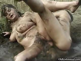 Dirty old mom fucking hard in the mud part4