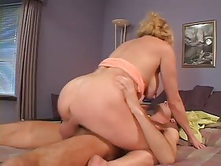 Hot Mature Busty Blonde Cougar Bangs Skateboarder