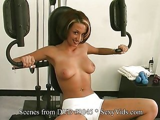 Solo Babes spread ass & pussy in gym