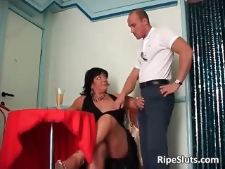 Chubby busty mature brunette gets that part4