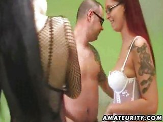 Amateur threesome with two beauties