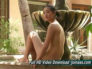 Tia Hot Pretty Young Gorgeous Chinese , Has a very strong orgasm