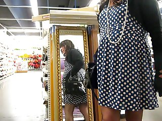 crossdresser no panty in store