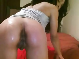 ebony squirt on bed