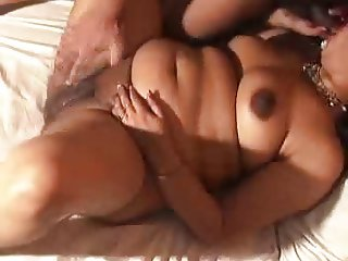 Indian Aunty 1073 (Part 03)