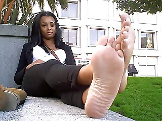 SWEATY EBONY FEET