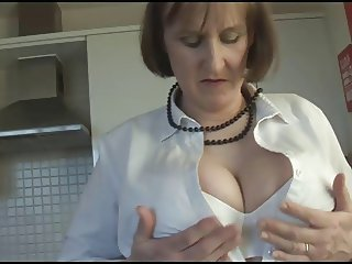 Mature Alison in pantyhose
