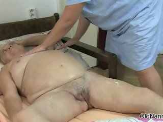 Dirty mature slut gets her body rubbed part4