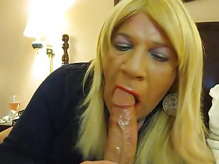 getting my cock sucked by crossdresser