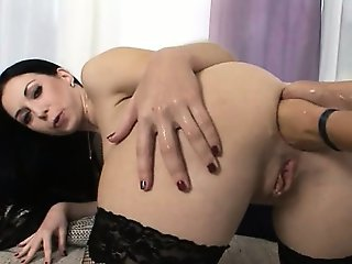 Isabella having two hands in her ass