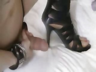 Christi Fucking & Cumming In Her High Heels