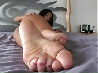 Teen feet and ass
