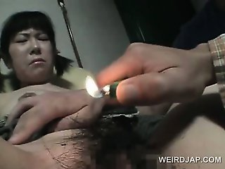 Innocent asian girl gets hairy cunt trimmed in close-up